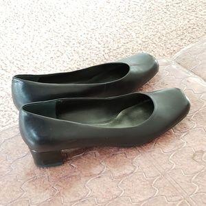 Beautiful Soft Leather Nine West Black Shoes
